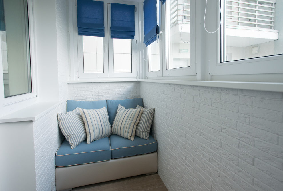 divan-na-balkon